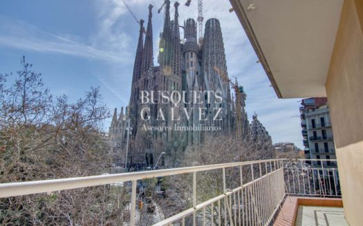 piso venta gaudi sagrada familia barcelona