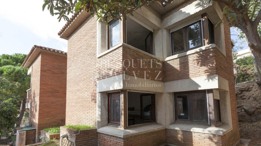 Casa en venta con piscina en Barcelona Gracia-56369